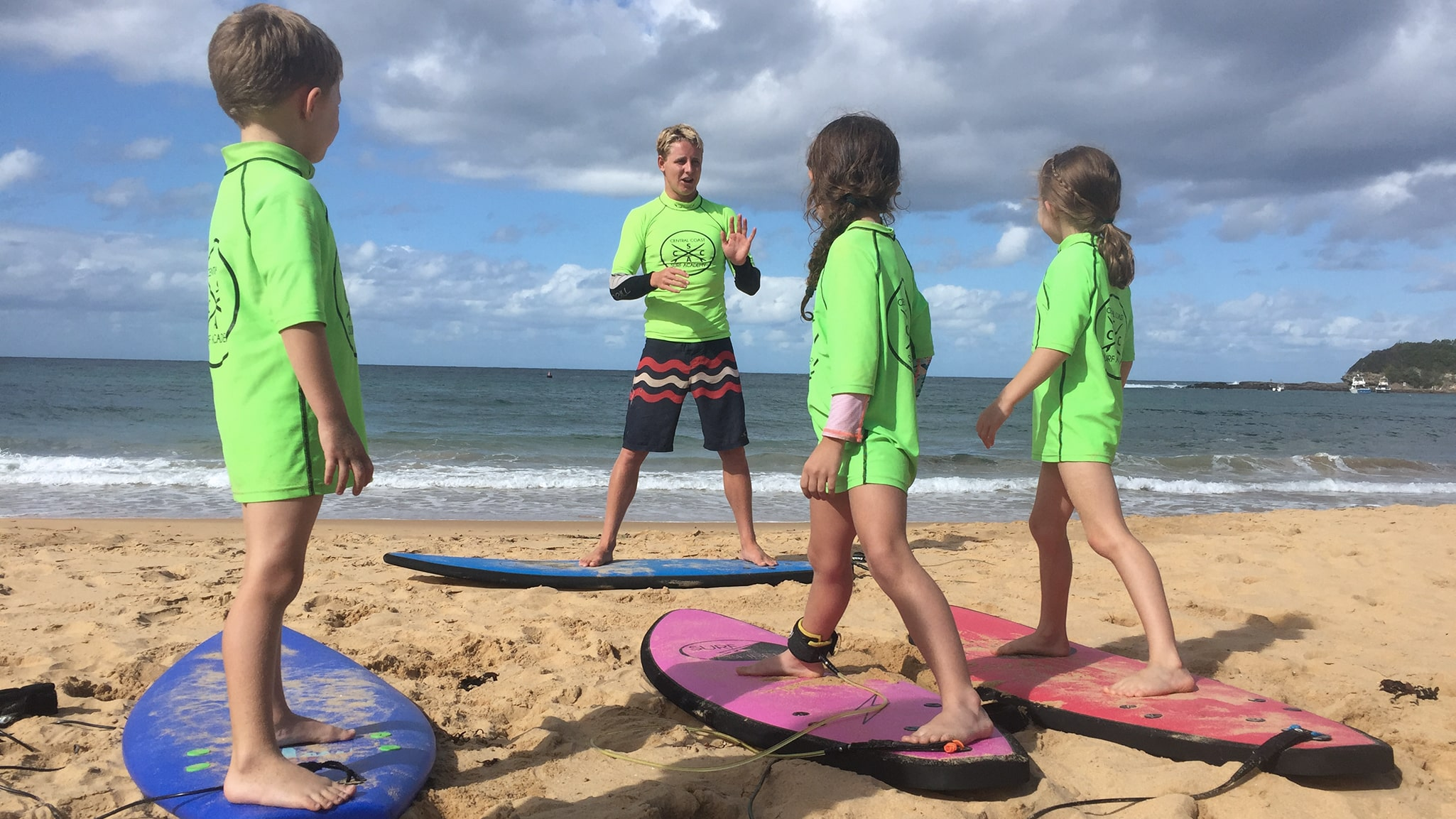 Learn-to-surf-kids